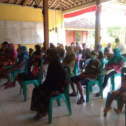 Desa Gowak Kecamtan Lasem Laksanakan Pembagian BLT-DD Bulan April Tahun 2020